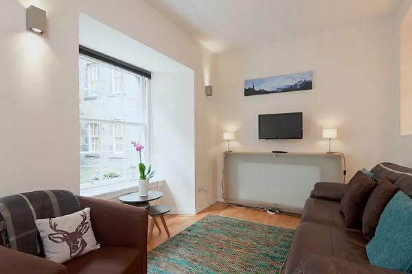 Luxury Ground Floor Holiday Apartment In Grassmarket Edinburgh