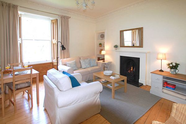Cottage Style Holiday Home To Let In Edinburgh