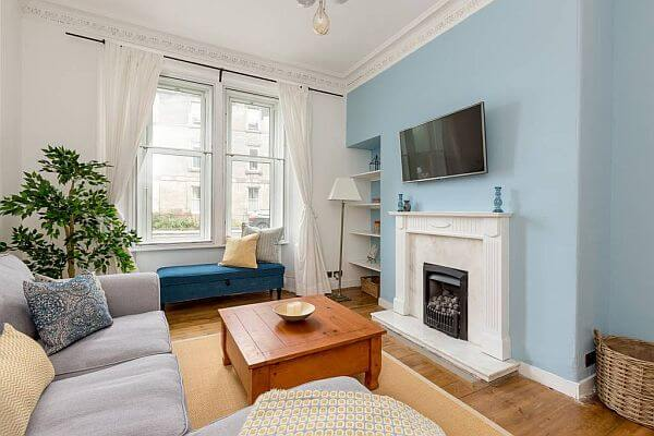 Lovely 2 Bedroom Holiday Apartment To Let In Edinburgh